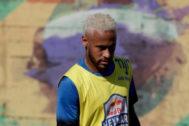 AME5963. PRAIA GRANDE (BRASIL).- El futbolista brasileño <HIT>Neymar</HIT> participa en la final del torneo Red Bull <HIT>Neymar</HIT> Jr's Five, este sábado en Praia Grande, São Paulo (Brasil). El torneo Red Bull <HIT>Neymar</HIT> Jr's Five es un certamen de fútbol barrial y está promovido por <HIT>Neymar</HIT>.  Fernando Bizerra Jr