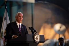El vicepresidente estadounidense, Mike Pence, durante un evento conmemorativo de la llegada a la Luna, este martes.