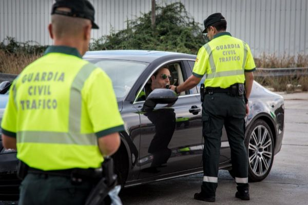 Un control de la Guardia Civil sobre tasa de alcohol y presencia de...