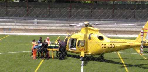 Traslado del herido en helicóptero.