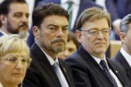 El alcalde de Alicante, Luis Barcala, y el presidente de la Generalitat, Ximo Puig, este viernes.