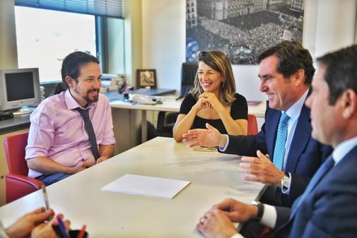 Pablo Iglesias, reunido en el Congreso con el presidente de CEOE,...