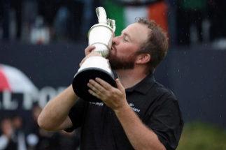Portrush (United Kingdom).- Shane <HIT>Lowry</HIT> of Ireland kisses the claret jug trophy as he celebrates winning the British Open Golf Championship at Royal Portrush, Northern Ireland, 21 July 2019. (Abierto, Irlanda, Reino Unido) EPA/