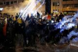 Enfrentamientos entre la policía y los manifestantes en Hong Kong.