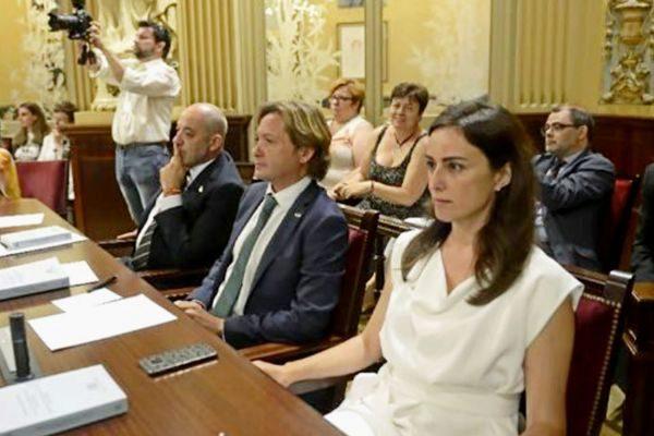 Sergio Rodríguez, Jorge Campos e Idoia Ribas en la sesión constitutiva del Parlament el pasado mes de junio.