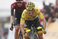 Julian Alaphilippe conserva el maillot amarillo del Tour de Francia 2019