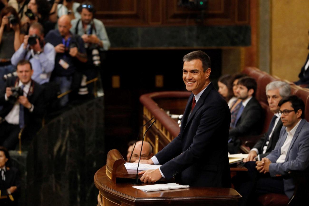 El candidato socialista a la Presidencia del Gobierno, Pedro Sánchez, al inicio de su intervención en la primera jornada del debate de investidura.