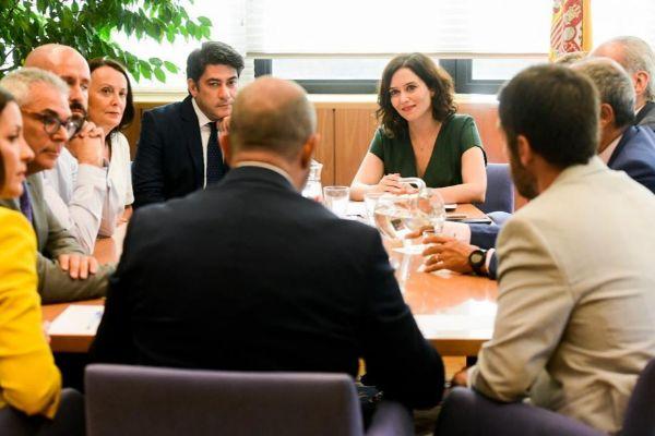 Isabel Díaz Ayuso se reúne con el Gobierno de la Comunidad de Madrid.