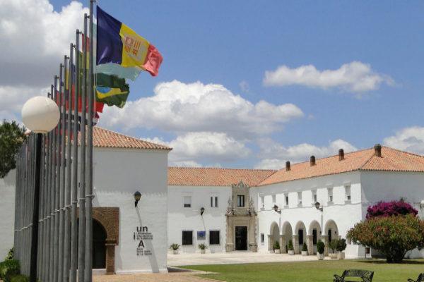 Los retos de la transformación digital, la comunicación y la arteterapia, a debate en los cursos de La Rábida
