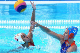 Llaquet of <HIT>Spain</HIT> (L) during their Women's <HIT>Water</HIT> <HIT>Polo</HIT> quarter final match of the FINA Swimming World Championships 2019 in Gwangju, South Korea. 22 July 2019. (Corea del Sur, Países Bajos; Holanda, España) EPA/