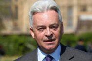 Alan Duncan en una rueda de prensa, en Westminster.