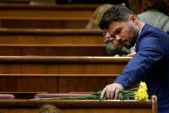 GR1129. MADRID.- El portavoz de ERC Gabriel <HIT>Rufián</HIT>, en el hemiciclo del Congreso en la primera jornada del debate de investidura, en la que el líder socialista español, Pedro Sánchez, afronta desde este lunes el debate que puede desembocar en su elección como presidente del primer Ejecutivo de coalición en la reciente historia de España, si cuaja el acuerdo de su partido (PSOE) con la coalición de izquierda Unidas Podemos (UP).-