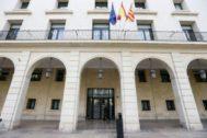 Fachada de la Audiencia Provincial de Alicante.