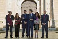 Albert Rivera, con los consejeros de la Junta designados por Cs, entre ellos la de Empleo, a la izquierda, y la de Igualdad, a la derecha.