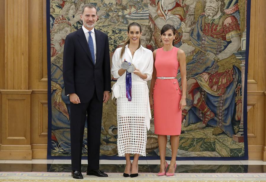 Los Reyes Felipe VI y Letizia reciben a Ona Carbonell en el Palacio de la Zarzuela