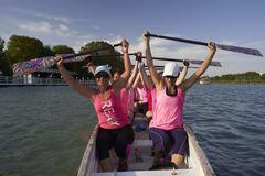 El equipo de mujeres BCS del Club Triana de Sevilla, en pleno entrenamiento.