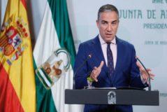 El portavoz del Gobierno andaluz, Elías Bendodo, durante su comparecencia este martes tras la reunión del Consejo de Gobierno.
