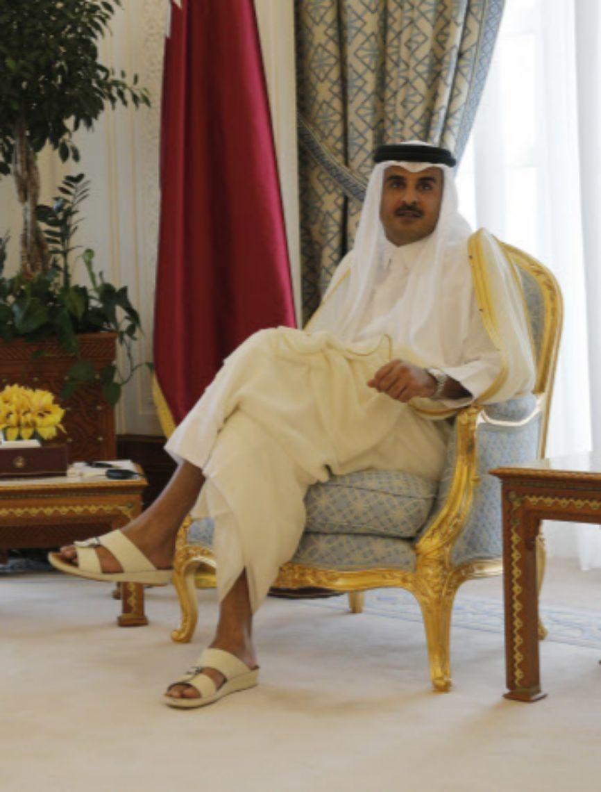 El actual emir de Qatar accedió al trono en 2013, tras abdicar su...