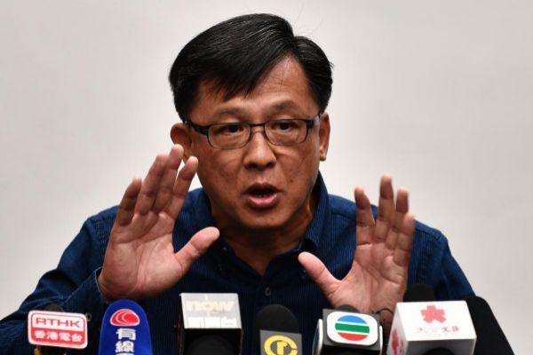 Junius Ho, legislador de Hong Kong cercano a Pekín.
