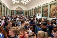 La galería donde se expone ahora 'La Gioconda' abarrotada.