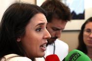 Irene Montero atiende a los medios en el Congreso el 16 de julio