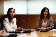 Rocío Monasterio (Vox) e Isabel Díaz Ayuso (PP) en una reunión.