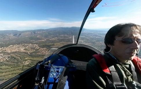 El piloto Daniel Ventura y su coopiloto: 700 millones de espermatozoides.