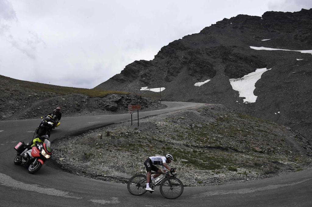 La última etapa alpina, mutilada a sólo 59 km por el mal estado de las carreteras
