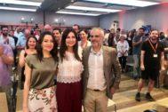 Inés Arrimadas, Lorena Roldán, Carlos Carrizosa en el acto en Barcelona