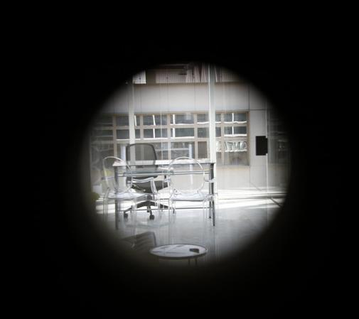Interior de la oficina donde fue encontrado el cuerpo de Juan Carlos...