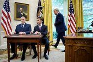 El presidente Donald Trump junto al ministro de Interior guatemalteco, Enrique Degenhart y el Secretario de Seguridad Nacional de EEUU, Kevin McAleenan.