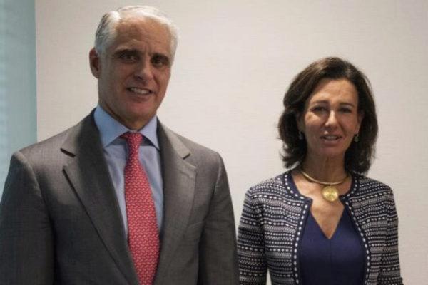 El financiero italiano Andrea Orcel y Ana Patricia Botín, presidenta...