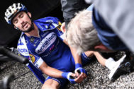 Team Deceuninck rider France's Julian <HIT>Alaphilippe</HIT> (C) reacts after crossing the finish line of the twentieth stage of the 106th edition of the Tour de France cycling race between Albertville and Val Thorens, in Val Thorens, on July 27, 2019. (Photo by Anne-Christine POUJOULAT / AFP)