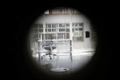 Interior de la oficina donde fue encontrado el cuerpo de Juan Carlos Márquez, en una nave industrial en San Sebastián de los Reyes (Madrid).