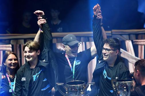 Dos chicos de 16 años se convierten en millonarios al ganar el Mundial de Fortnite