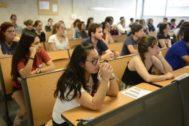 Alumnos en las pruebas de la PBAU en la UIB.