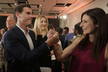 Rivera ficha a  ex presidentes autonómicos del PP y a 20  afines para blindar el 'no' a  Sánchez