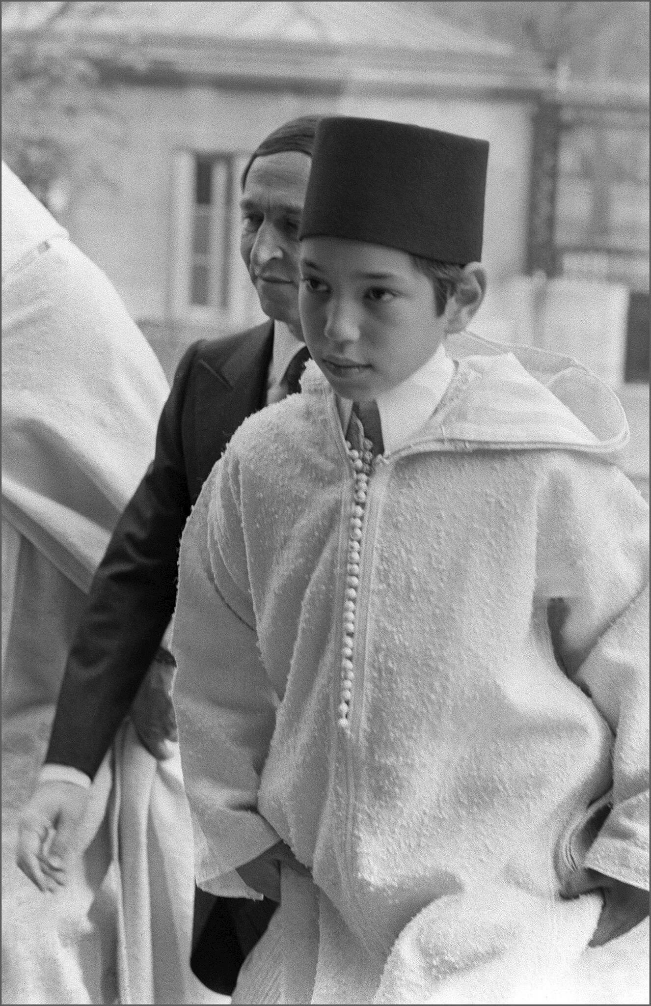 Nacido en 1963, de niño ya asistía a importantes eventos internacionales. En la imagen, en los funerales en París del presidente francés Georges Pompidou.