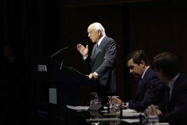 El ex presidente del BBVA <HIT>Francisco</HIT> <HIT>González</HIT>, y...