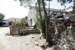 Casas del poblado de Navalquejigo en El Escorial.