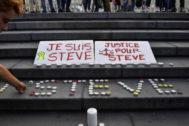 Altar improvisado en memoria de Steve Maia Caniço