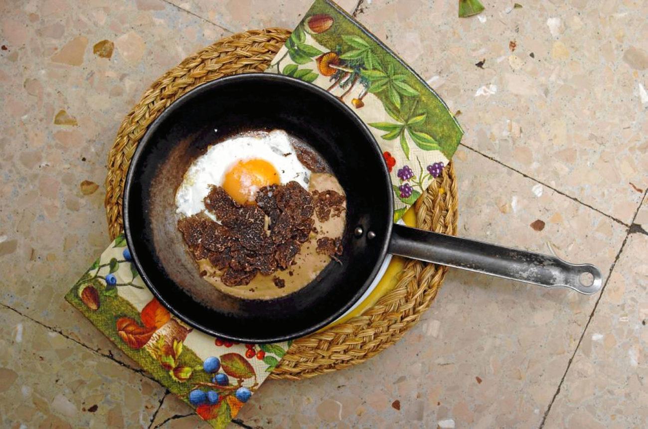 Sentarse en el comedor del simpático chef Abraham García, pionero de...