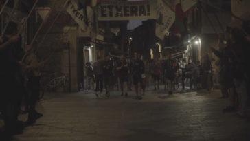 Un momento del recibimiento a Aitor Zelaia en Vitoria.