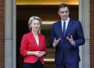 Pedro Sánchez recibe en La Moncloa a la presidenta de la Comisión Europea, Ursula von der Leyen.