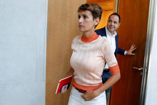 La candidata a la presidencia del Gobierno de Navarra, María Chivite,...