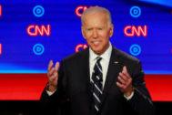 Joe Biden, durante el segundo debate demócrata.