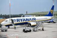 Un avión de Ryanair en el aeropuerto de Weeze, Alemania.