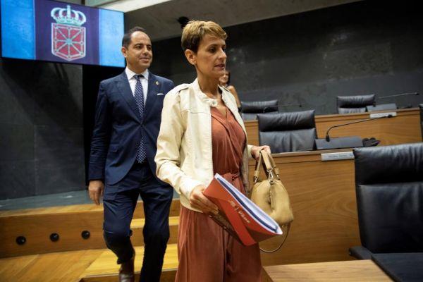 María Chivite, ayer, durante el debate de investidura en el...