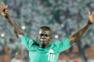 Cairo (Egypt).- Senegal's <HIT>Sadio</HIT> <HIT>Mane</HIT> reacts before the 2019 Africa Cup of Nations (AFCON) final soccer match between Algeria and Senegal at Cairo Stadium in Cairo, Egypt, 19 July 2019. (Egipto) EPA/