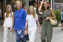 Los Reyes Felipe y Letizia, con sus hijas, ya están de  vacaciones